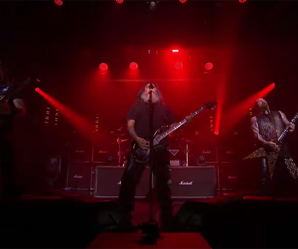 Mira como SLAYER toca &#8220;Raining Blood&#8221; en <em>El Show de Jimmy Fallon</em>.